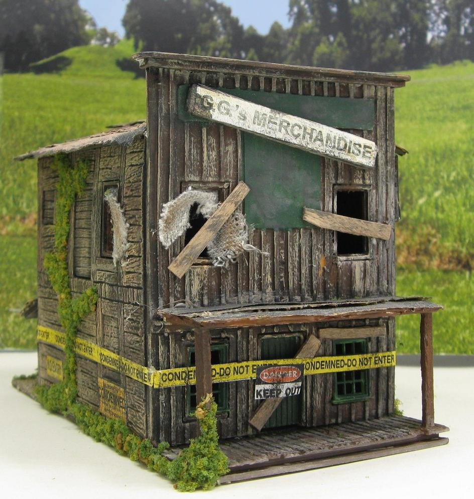 ho scale abandoned building