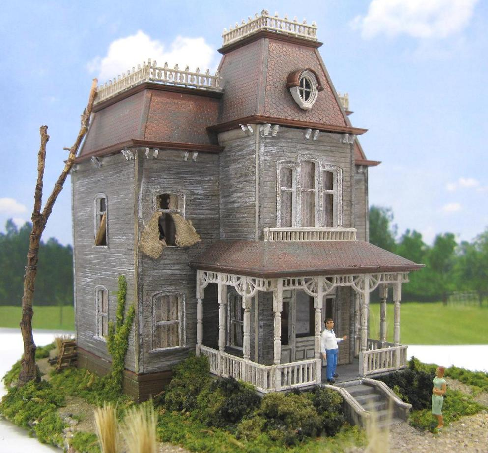 Bates Mansion House HO scale
