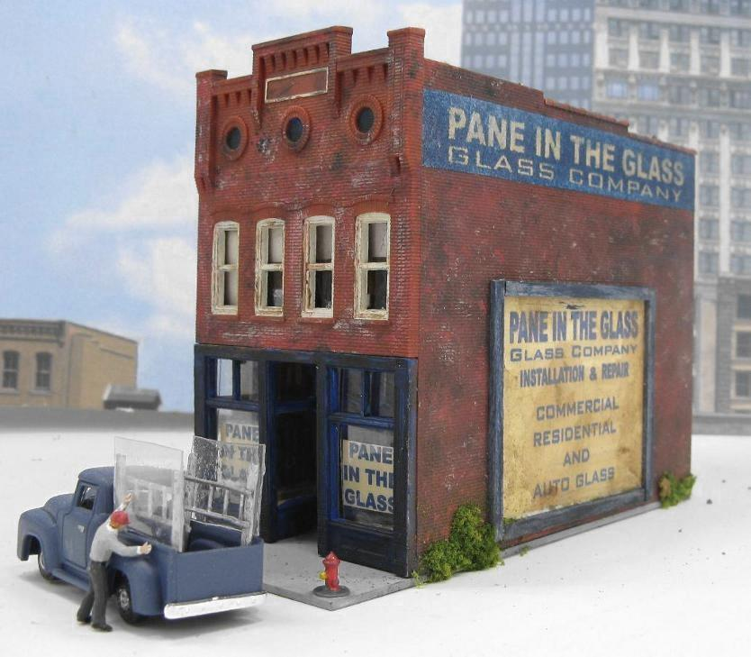HO scale downtown building